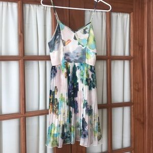 Floral pleated dress, Size XS